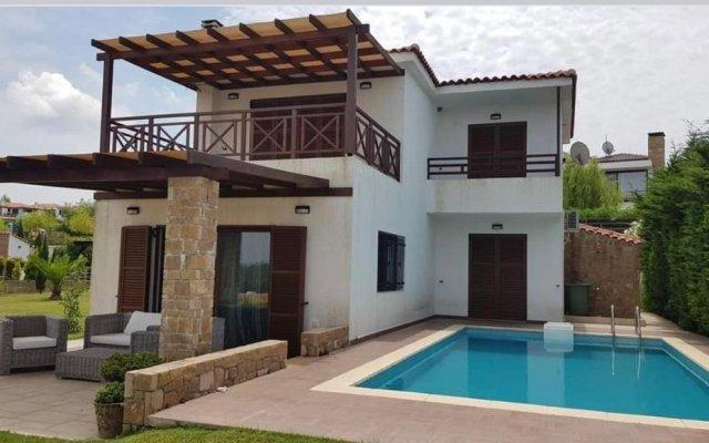 Elani Villa